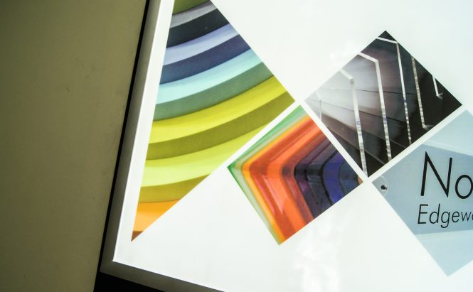 Edgelit XT Illuminated Snap Frames